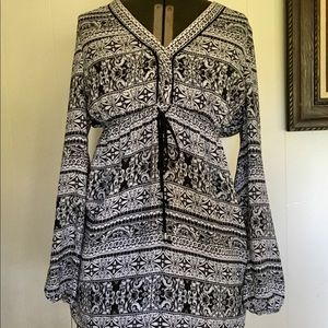 White House Black Market Tunic Top Size 8